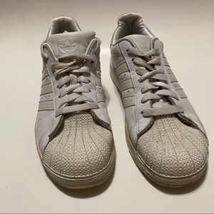 Adidas Classic white off white sneakers 6.5